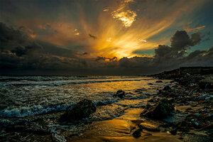 Тихо плещется волна...
