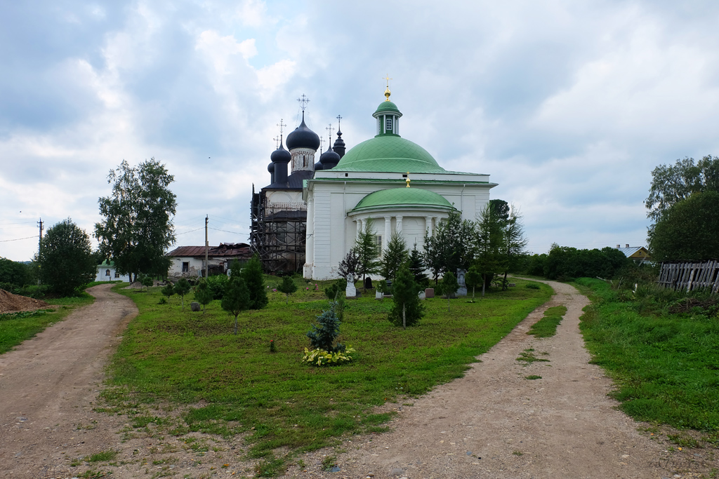 Горицкий Воскресенский монастырь в Вологодской области, территория обители