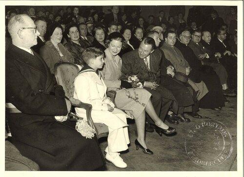 Александр и Жозефина Шарлотта. 6 декабря 1951 г.