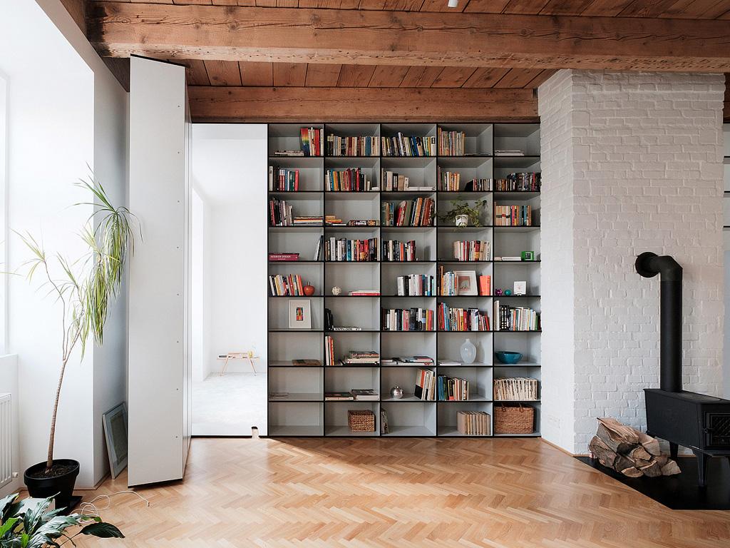 modern-apartment-wiht-hidden-room-12-1360x1020.jpg