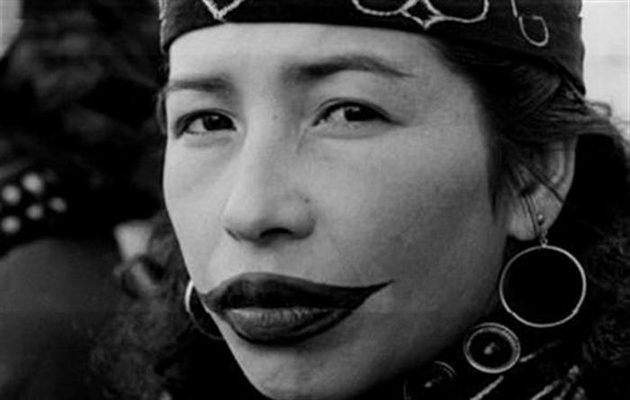6 самых жестоких испытаний красоты для женщин из разных уголков земли