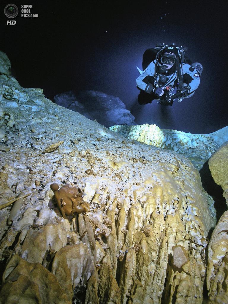 Мексика. Сак-Актун, Юкатан. Останки 16-летней девочки в подводной пещере Хойо-Негро. Это самые д