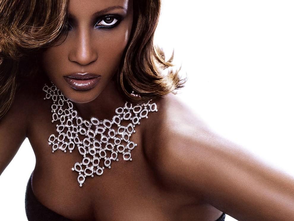 1. Иман В свое время об этой красавице сомалийского происхождения Ив Сен-Лоран говорил: «Женщина мое