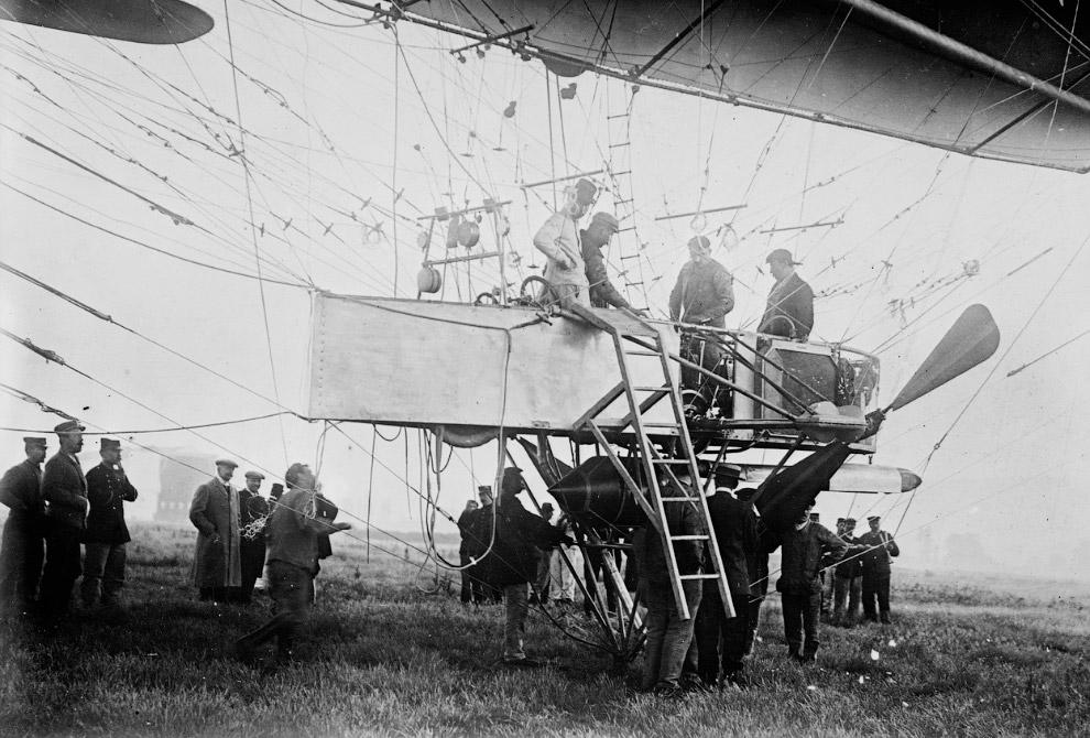 19. Воздушный шар, используемый для наблюдений за территорией. (Фото National Library of Scotla