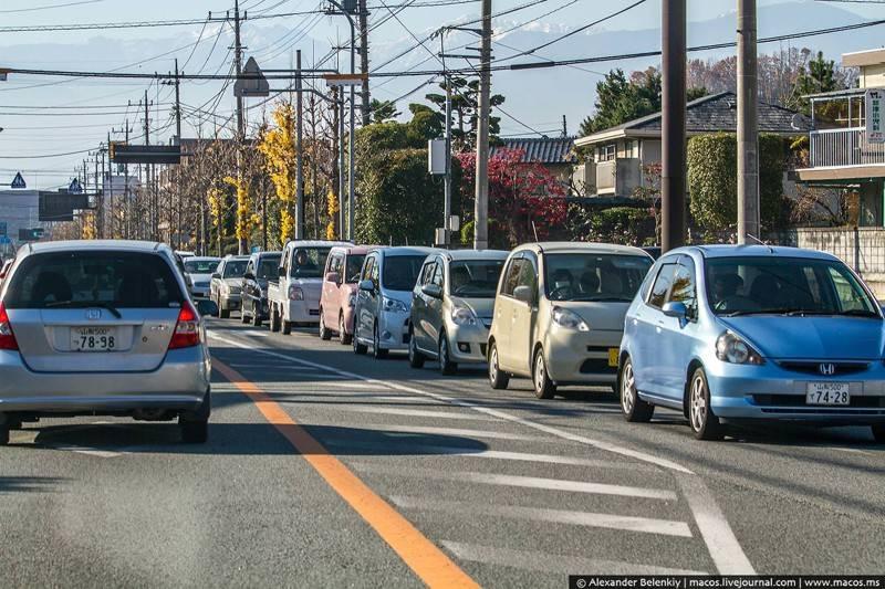 Марки те же, модели совсем другие. Ниссаны, Хонды, Тойоты, Сузуки выпускают для внутреннего рынка не