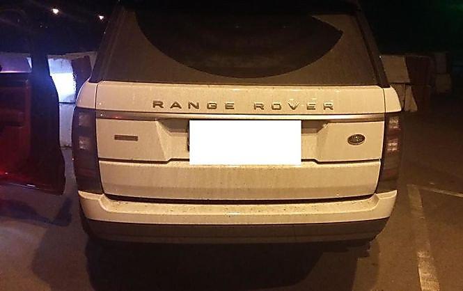 Украинка пробовала вывезти в Российскую Федерацию угнанный Range Rover