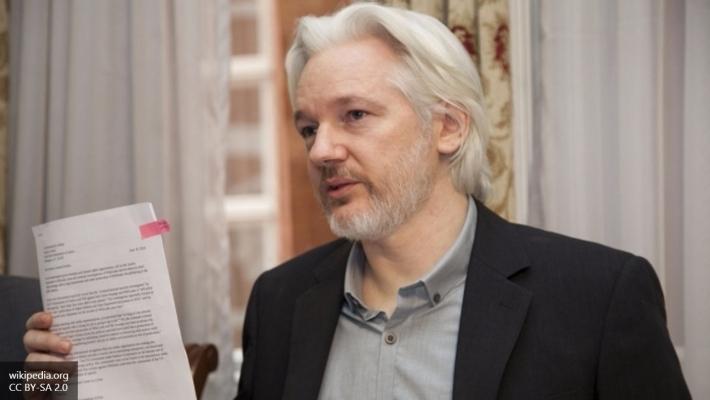 Ассанж обвинил Клинтон вблокировке доступа винтернет