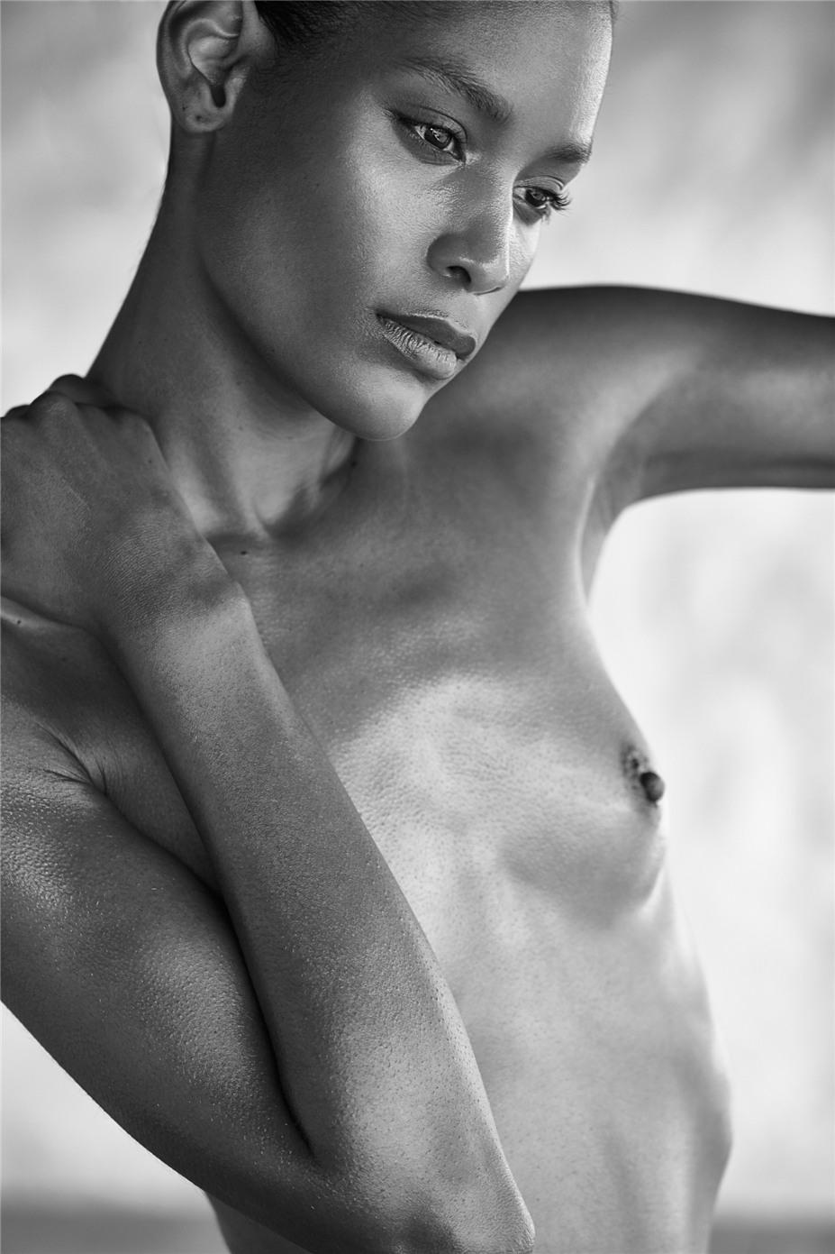 Обнаженные девушки на пляжах Ибицы / Ibiza Nudes by Diane Betties - Fabiana Ricardo