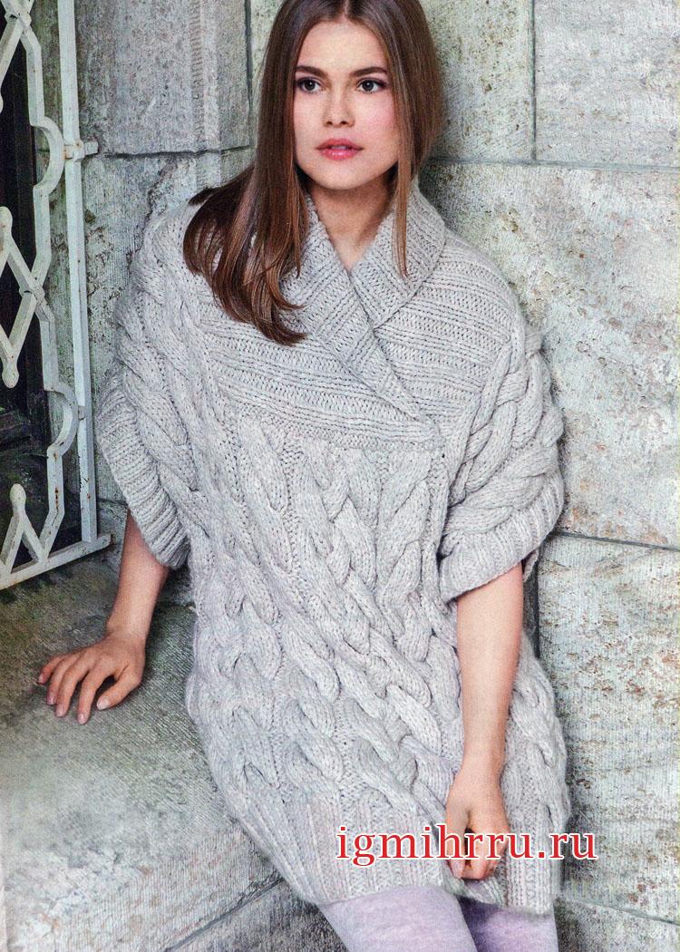 Светлый шерстяной пуловер с крупными косами. Вязание спицами