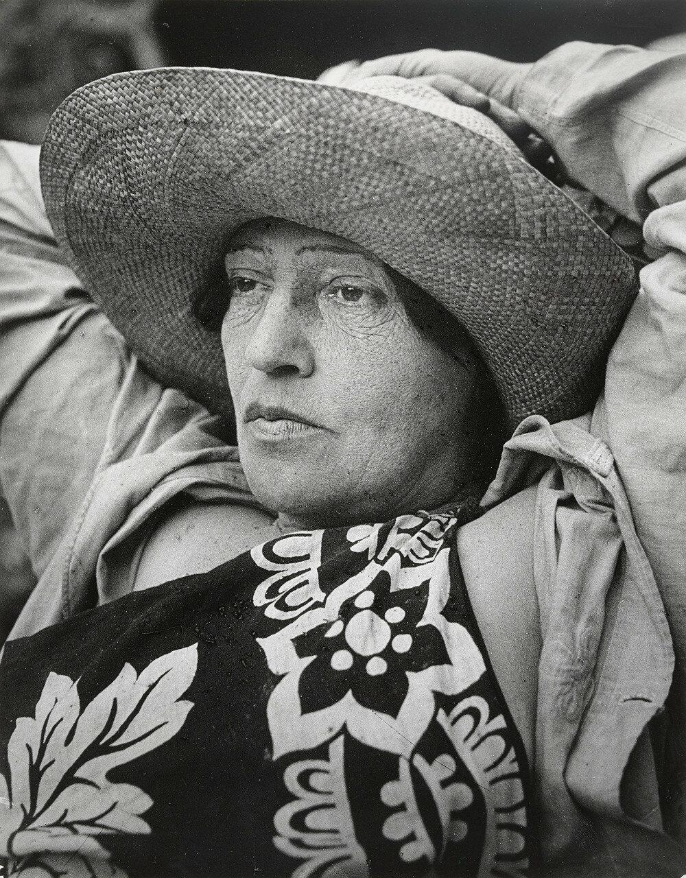 1932. Мадам Марианнна