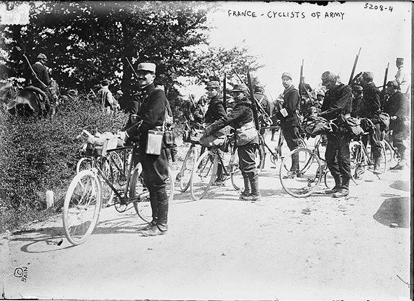France-Cyclists-1914-15.jpg