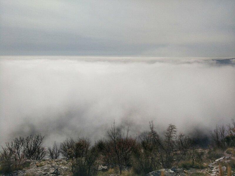 Облака над Будвой и Святым Стефаном