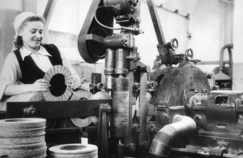 История промышленности России в фотографиях: АО «Завод АТИ» (Санкт-Петербург)