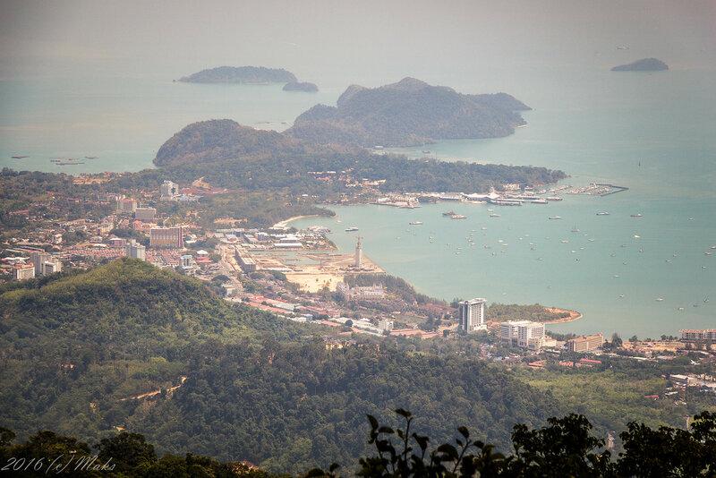 Вид на город Куах с горы Gunung Raya