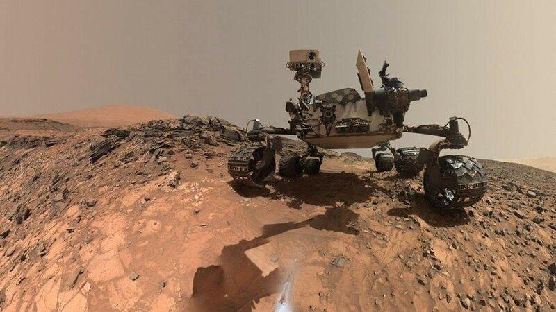 Марсоход Curiosity сделал панорамный снимок дюн на нижнем склоне горы Шарп