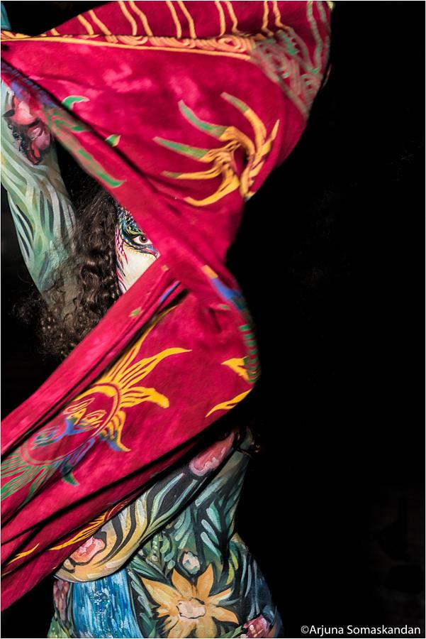 19. Уличная танцовщица. Автор фото: Арджуна