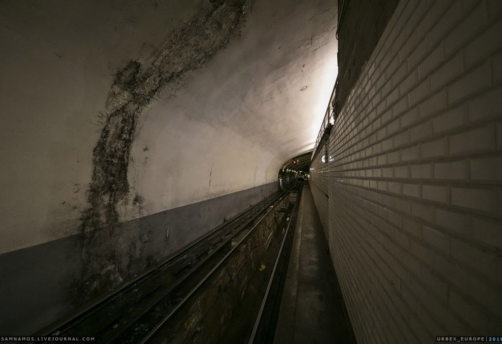 Следующий этап — проникновение в систему Парижской электрички — RER.  Парижская подземная эл