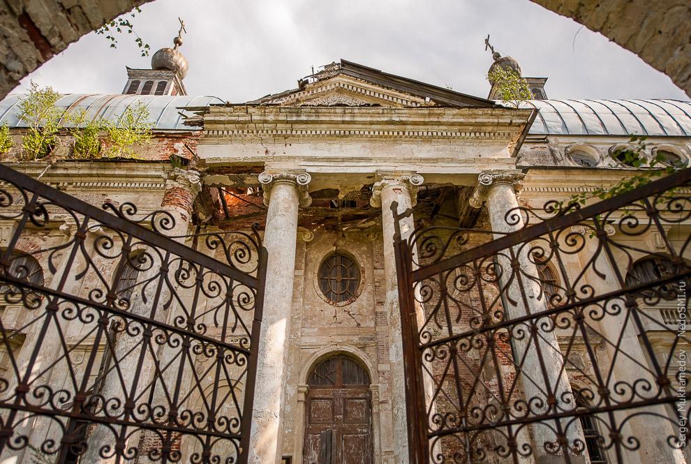 3. Идея проекта принадлежала графу Чернышеву. Храм должен был быть одновременно церковью и фами