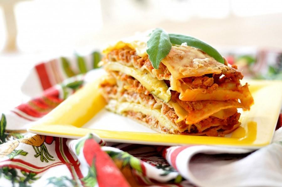 8. Лазанья (итал. lasagne) - традиционное блюдо итальянской кухни, особенно города Болонья, приготов