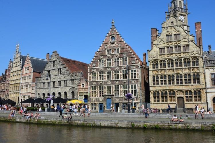 К северу от Брюсселя расположился Гент – город с уникальной смесью истории и современных досто
