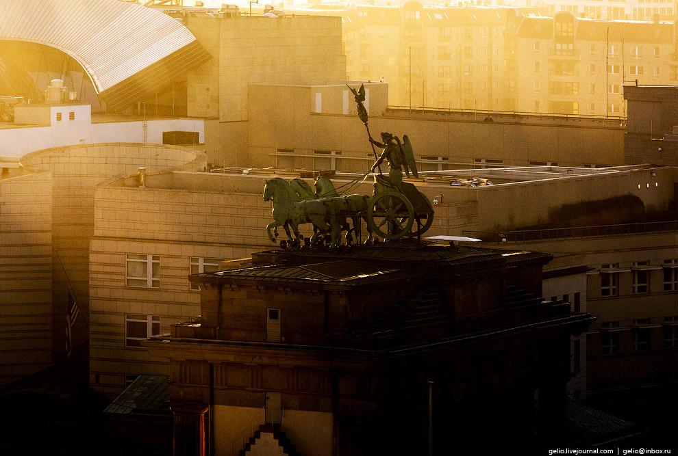 7. Берлин некогда был обнесен стеной с полутора десятками ворот, они не сохранились. Бранденбур
