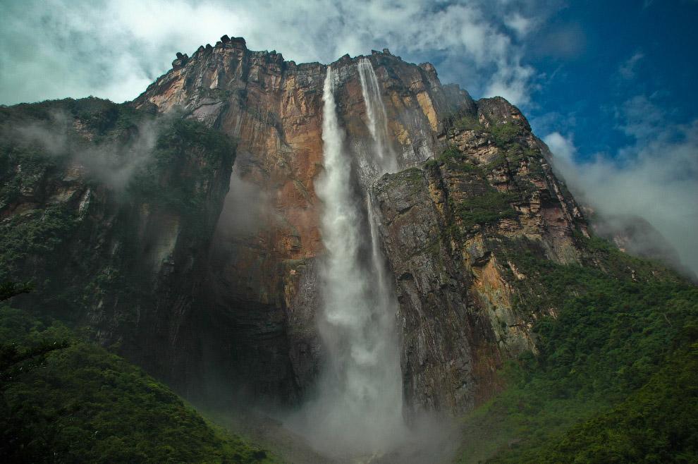 В 1994 году ЮНЕСКО внесло Национальный парк Канаима, а следовательно и водопад, в список Всемир