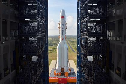 Китай запустил крупнейшую ракету-носитель «Великий поход-5»