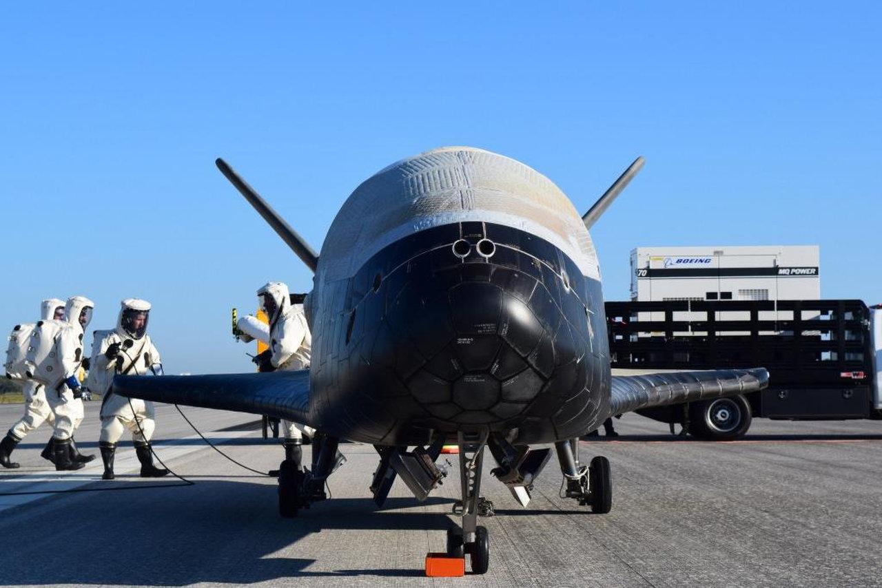 Орбитальный экспериментальный самолет Boeing X-37B снова наЗемле