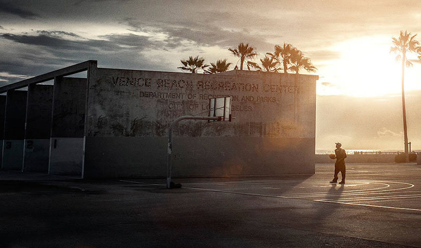 Photo Series of Daily Life in Venice, California by Franz Steiner