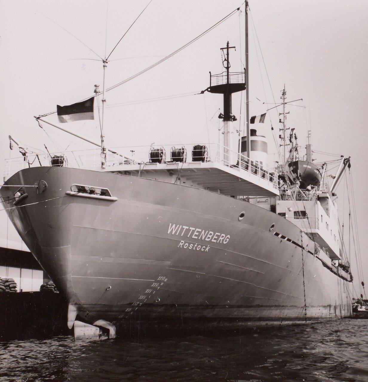 Абиджан. MS Виттенберг