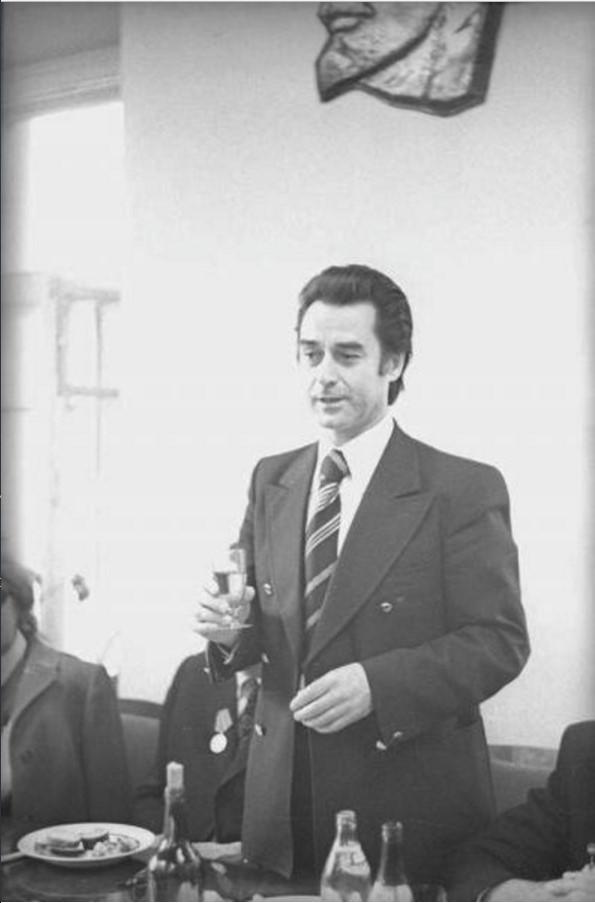 1975. 20-летие журнала «Юность». Андрей Дементьев произносит тост