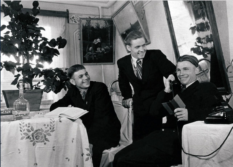 Коркино. Благоустроенное общежитие горняков треста «Коркинуголь» (1953)