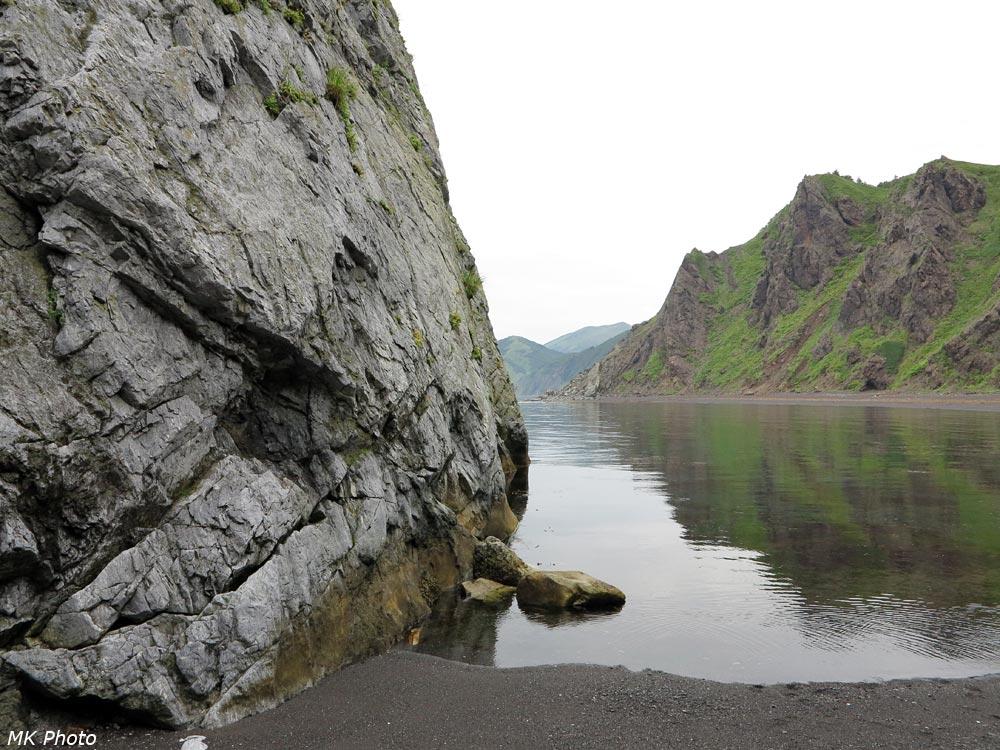 Скала, уходящая в море