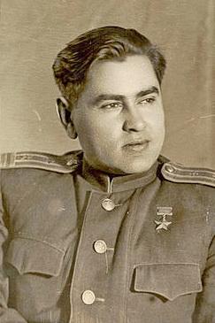 А.П._Маресьев_в_конце_войны.jpg