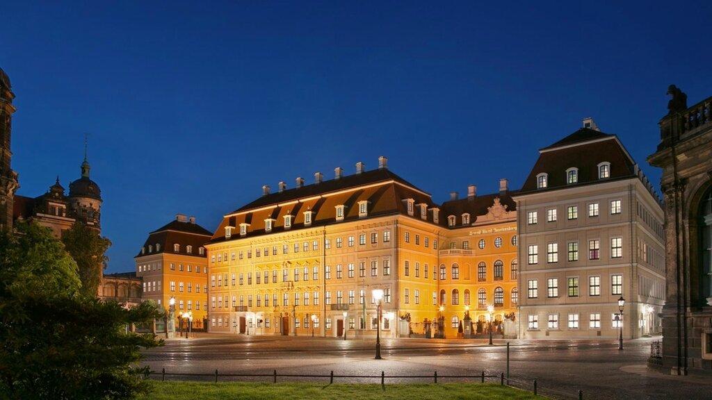 slider_hotel-taschenbergpalais-kempinski-dresden-auenansicht-nacht.jpg