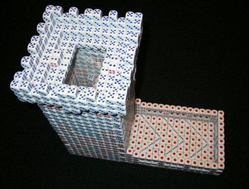 10. Башня из игральных костей от instructables Такую башню может построить любой, главное требование