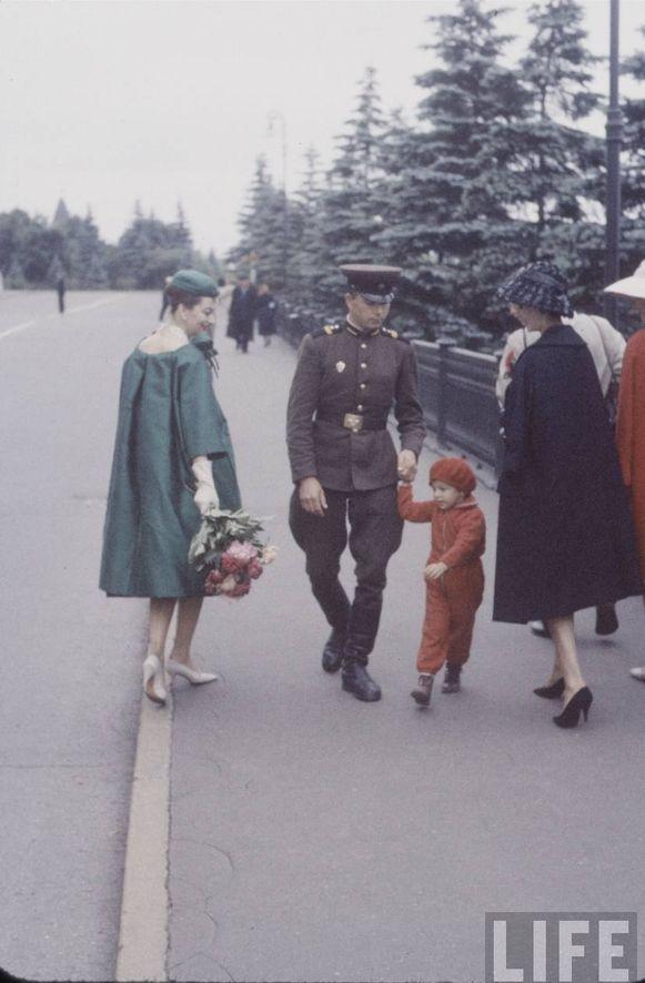 Модели с советской семьей.