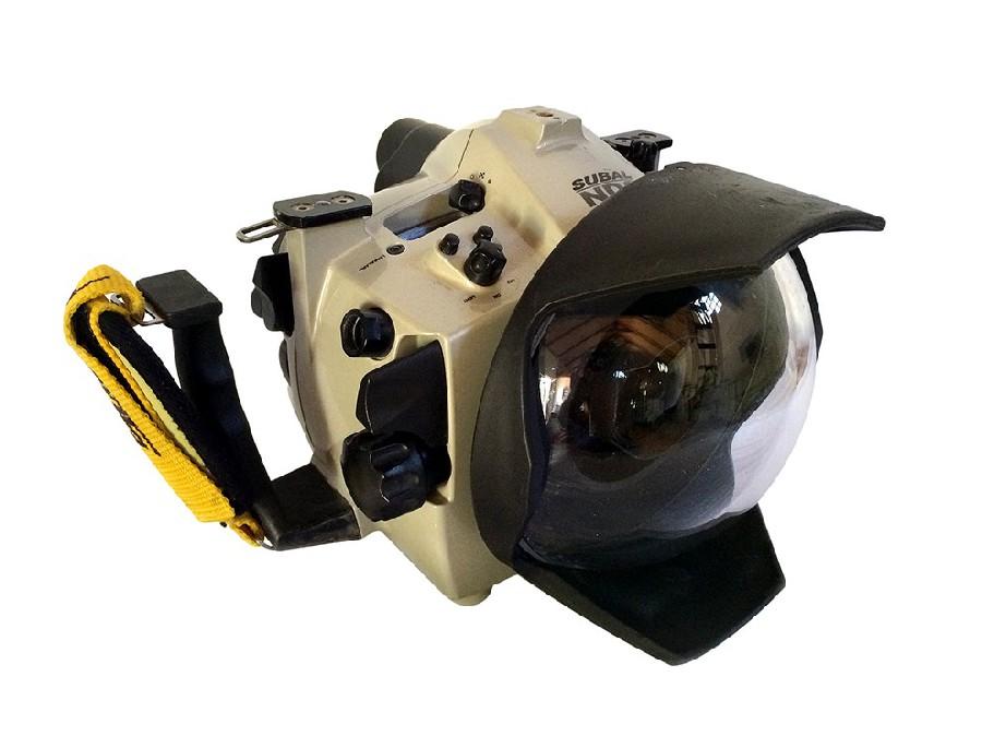 3. Томас Пещак, Nikon D3S На протяжении многих лет Никон отказывался принимать участие в мегапиксель