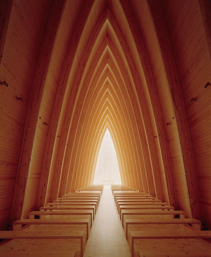 2. Как вам сауна? Эта сауна расположена на берегу озера Гурон в Канаде. Она была построена из дерева
