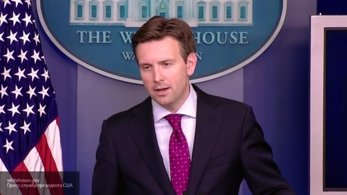 Трамп обозвал «глупым парнем» пресс-аташе Белого дома