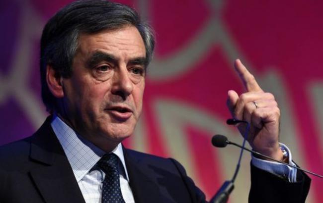 Французы хотят, чтобы Фийон снял кандидатуру спрезидентских выборов— Опрос