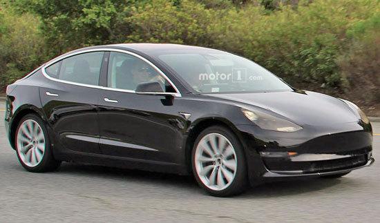 Заказчикк Tesla Model Sполучил сломанный электрокар