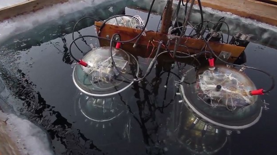 НаБайкале запустили подводный нейтринный телескоп
