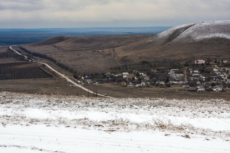 Вид на гору мадам Бродская с хребта Узун-Сырт