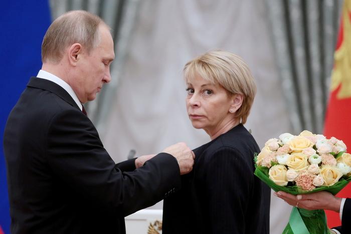 Президент РФ В.Путин вручил премии за выдающиеся достижения в области благотворительной и правозащитной деятельности