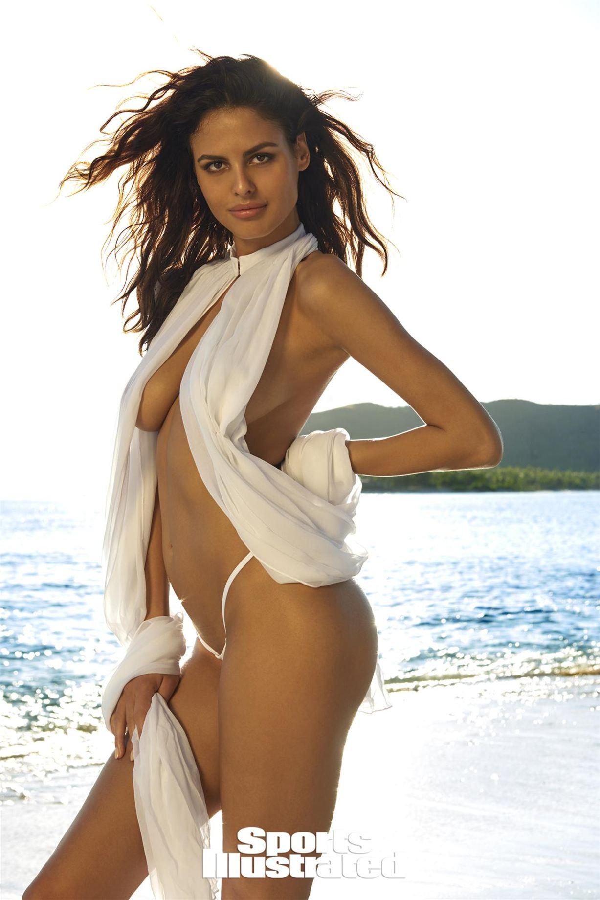 Bojana Krsmanovic / Бояна Крсманович в купальниках из новой коллекции Sports Illustrated Swimsuit 2017 issue / in Fiji by Yu Tsai