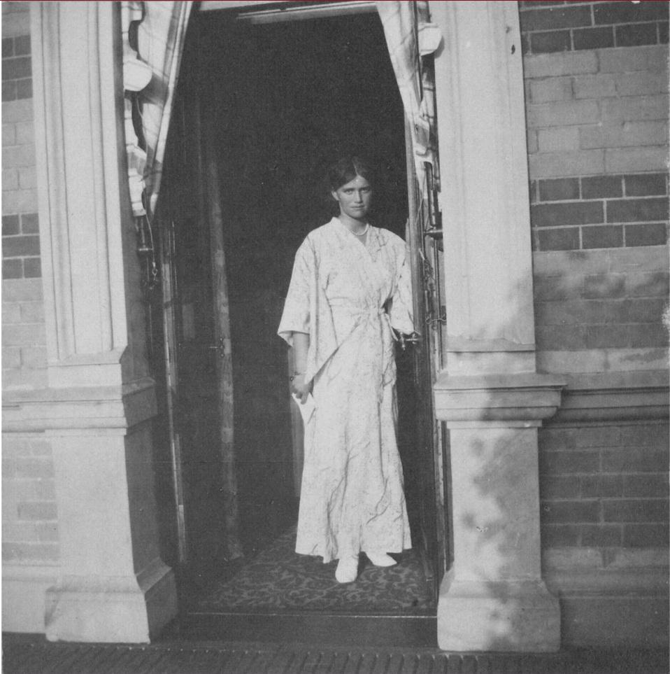 1914. Вел. Кн. Мария на Нижней даче
