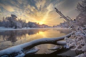 За берега зимние...