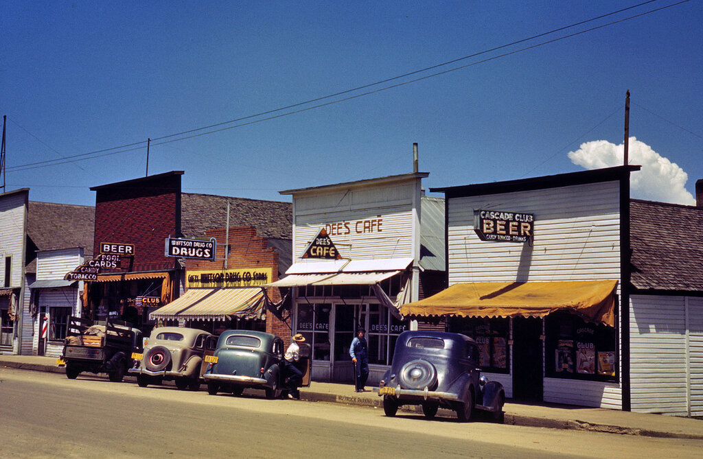 1941 Main Street of Cascade Idaho RUSSELL LEE.jpg