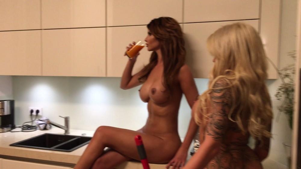 aktrisa-i-eroticheskaya-model-mikaela-shefer